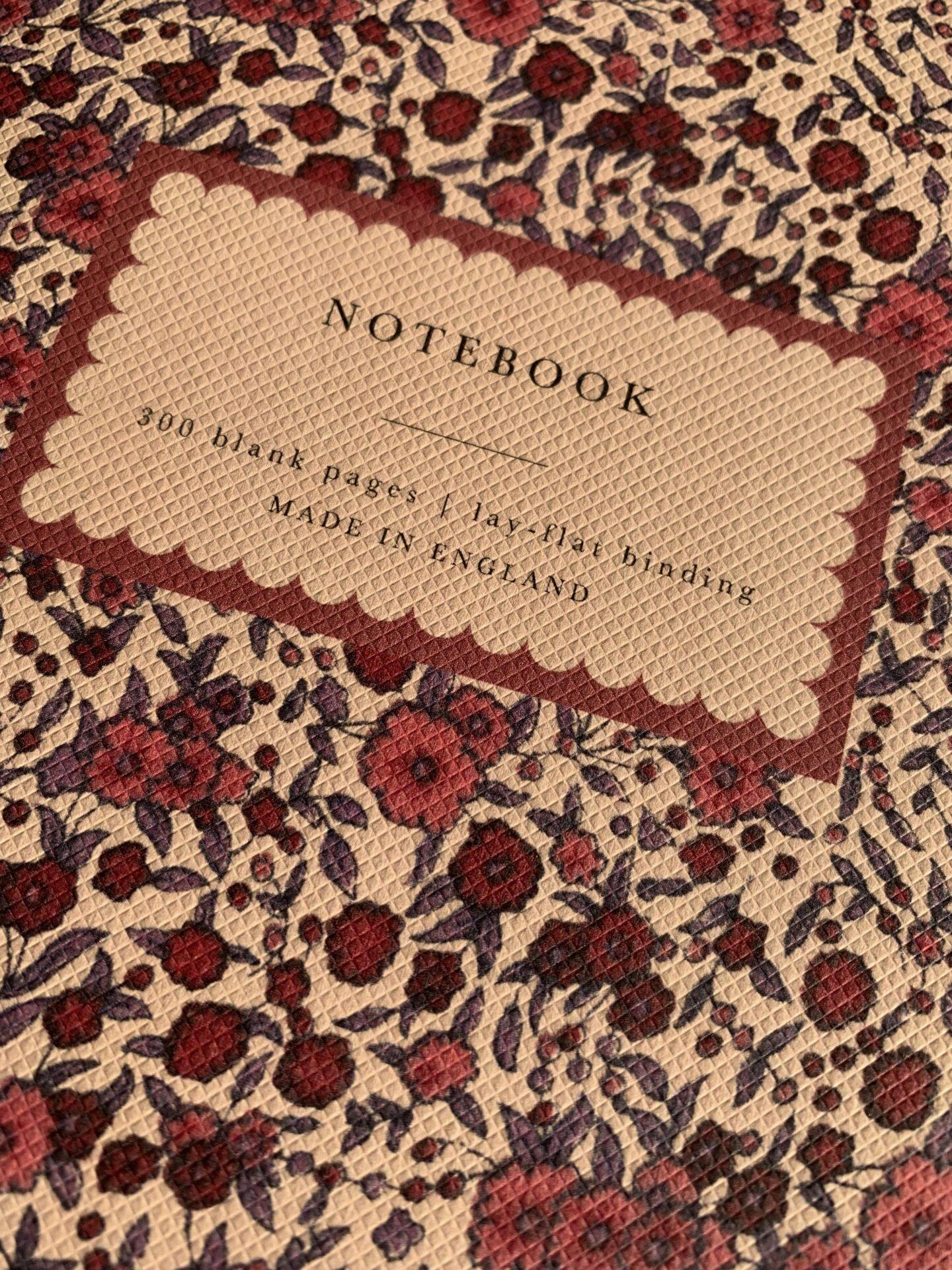 Notatnik Katie Leamon z serii Heirloom - zbliżenie na okładkę